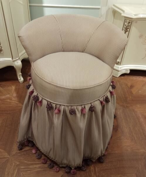 Simple Luxurious Dressing Table Stool / Small Bedroom Chairs ...